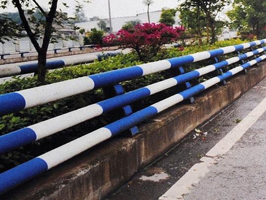 三管防撞栏杆
