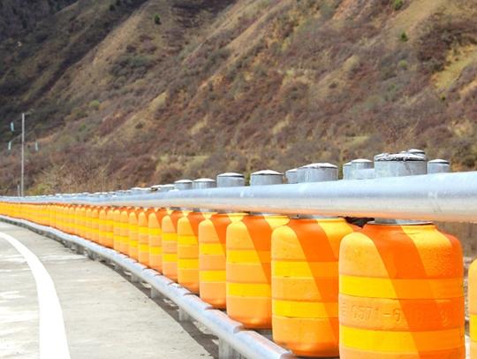 西藏旋转波形护栏