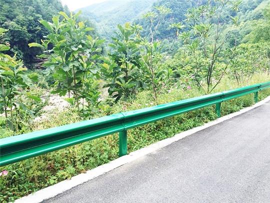 公路喷塑护栏
