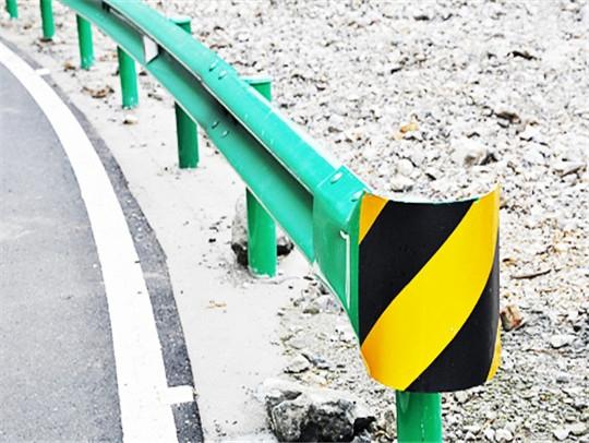 公路喷塑波形护栏厂家